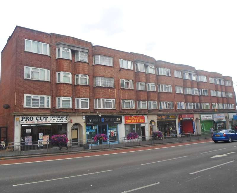 2 Bedrooms Apartment Flat for sale in Bridge Court, Lea Bridge Road, Leyton, London, E10 7JS