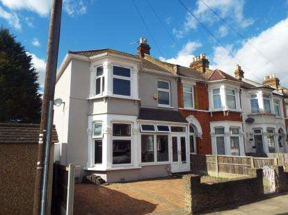 3 Bedrooms End Of Terrace House for sale in Ilford, London, United Kingdom