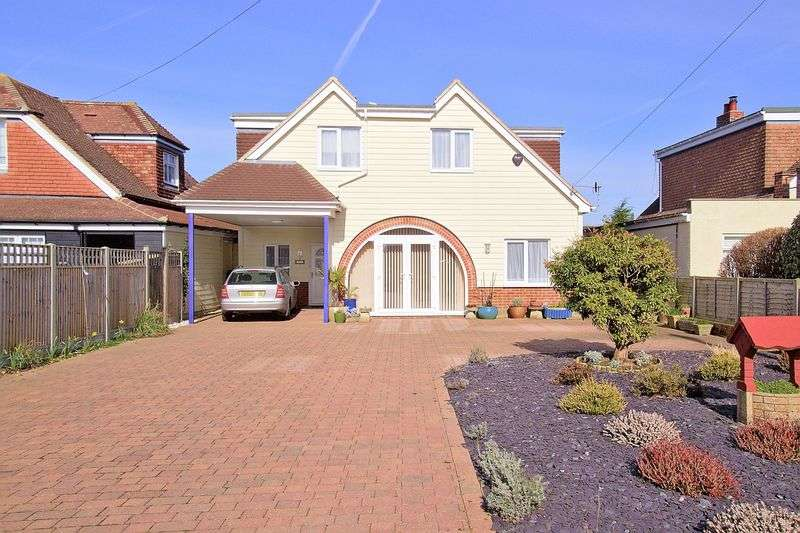 4 Bedrooms Detached House for sale in Sea Lane, Pagham, PO21