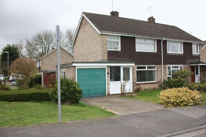 3 Bedrooms Semi Detached House for sale in Louthe Way, Sawtry