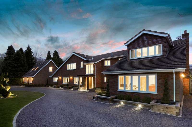 5 Bedrooms Detached House for sale in Tinkers Lane, Wigginton