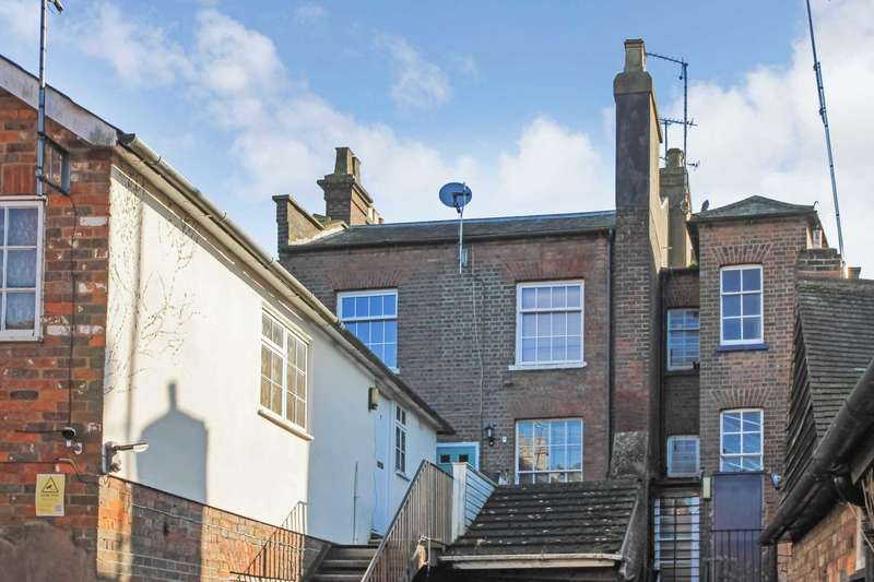 2 Bedrooms Flat for sale in High Street, Tring