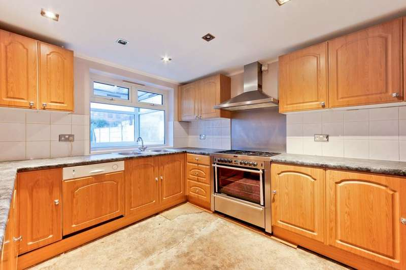 3 Bedrooms Terraced House for sale in Murray Square, London E16