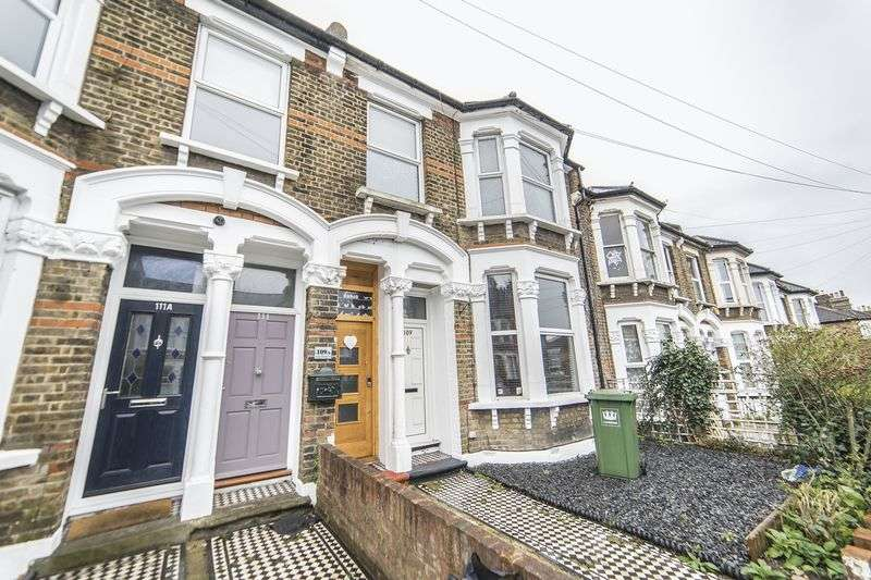 3 Bedrooms Property for sale in Mount Pleasant Road, London