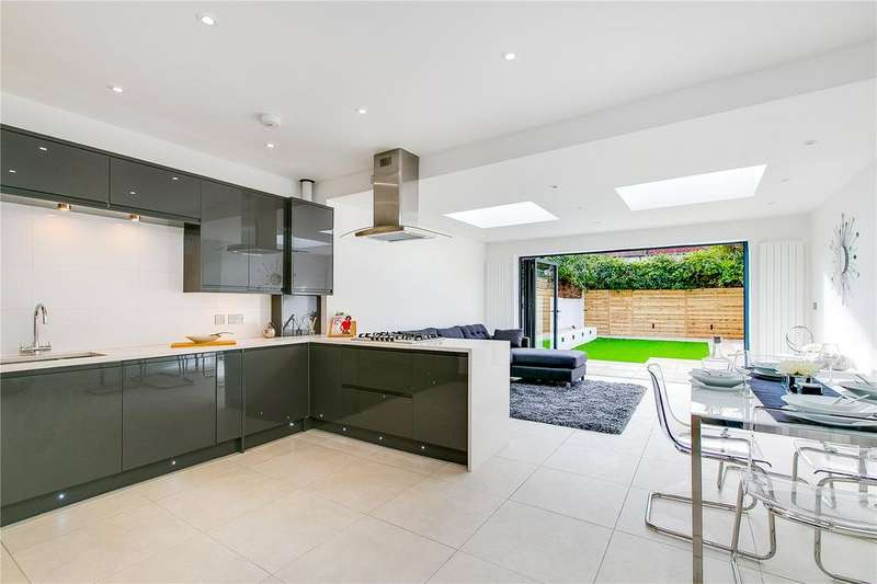 4 Bedrooms Terraced House for sale in Shalstone Road, London