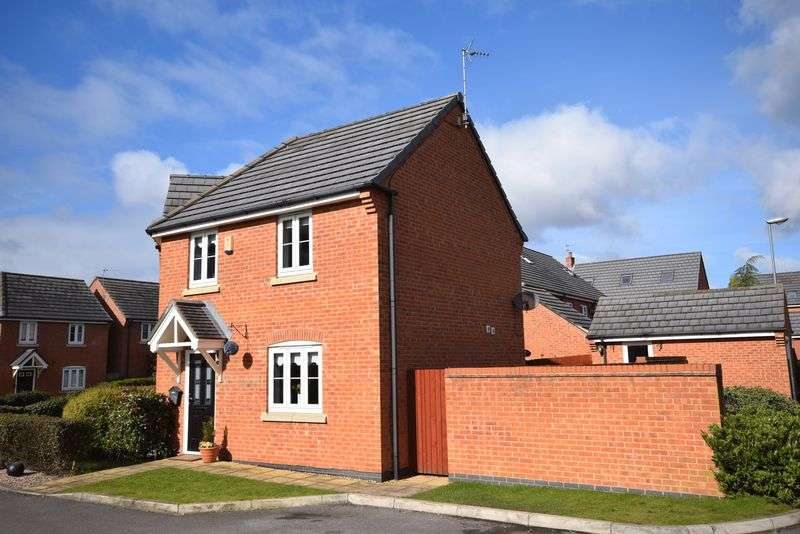 3 Bedrooms Semi Detached House for sale in Lingwell Park, Widnes