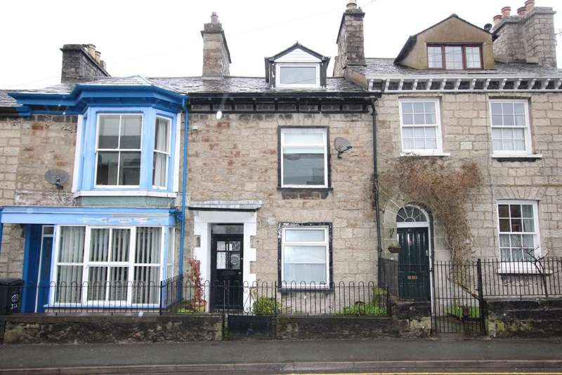 2 Bedrooms Terraced House for sale in 39 Castle Street, Kendal. LA9 7AD