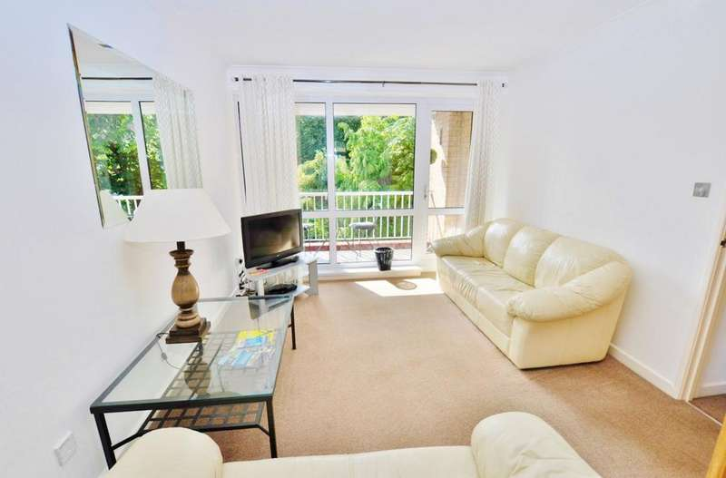 3 Bedrooms Maisonette Flat for sale in Jesmond Park Court, Newcastle Upon Tyne