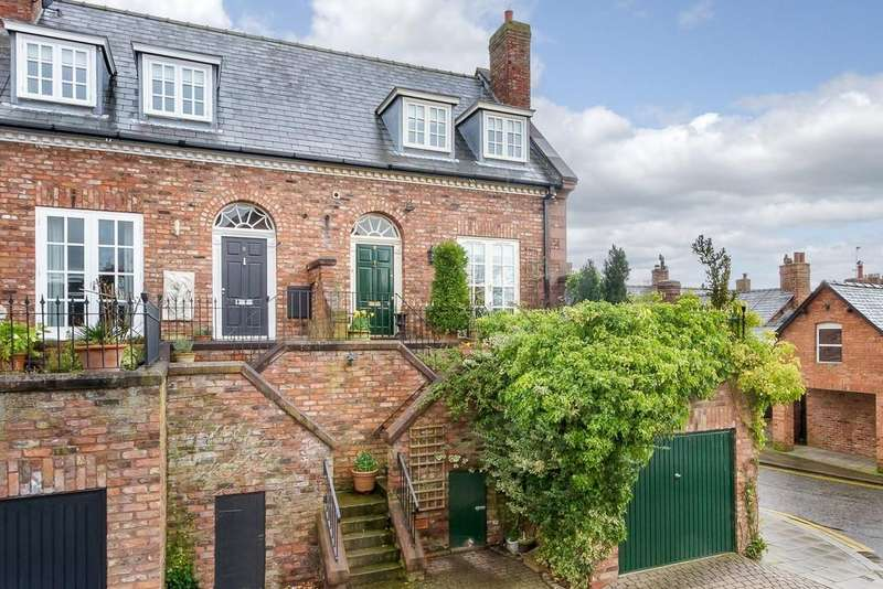 2 Bedrooms Town House for sale in 9 Chestnut Court, Tarporley, CW6 0UN