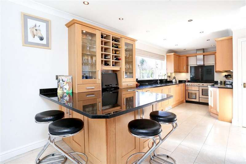 4 Bedrooms Detached House for sale in Park Lane, Old Basing, Basingstoke, Hampshire, RG24
