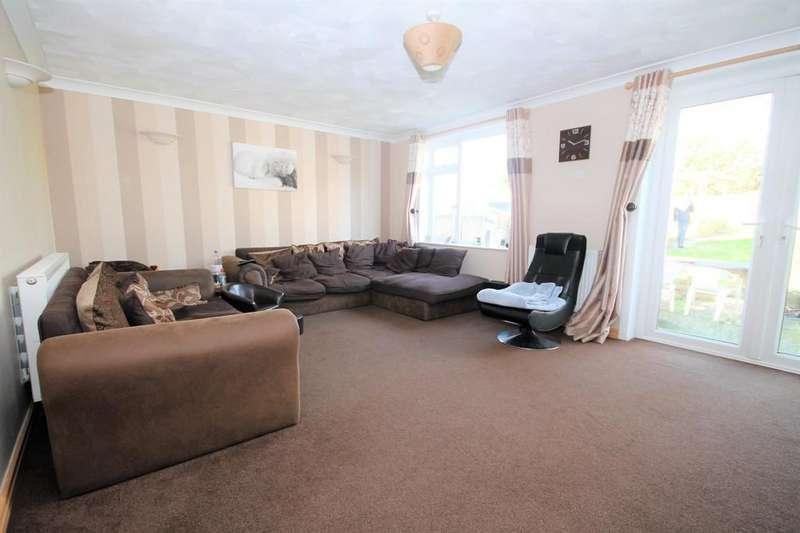 3 Bedrooms Semi Detached Bungalow for sale in Sedbury Road, Sompting, BN15