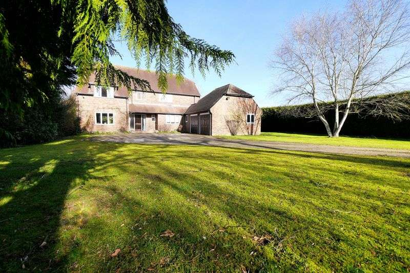 5 Bedrooms Detached House for sale in ROKE MARSH