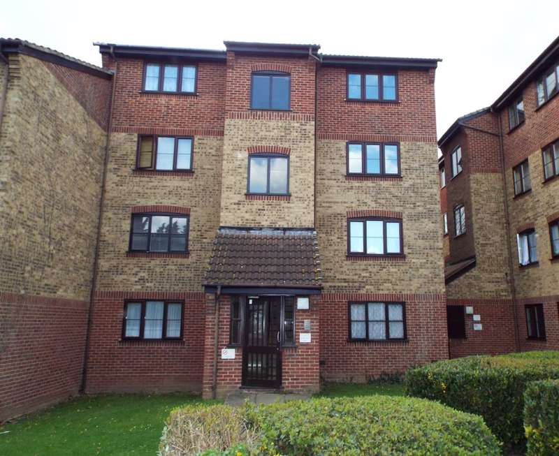 1 Bedroom Flat for sale in Conway Gardens, Grays, Essex, RM17 6HE