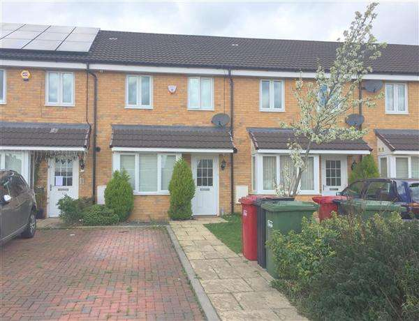 3 Bedrooms Terraced House for sale in Fernleigh Row, Berryfield, Slough