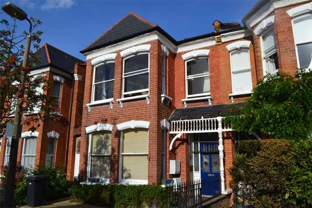 3 Bedrooms Flat for sale in Morley Road, East Twickenham, St Margarets