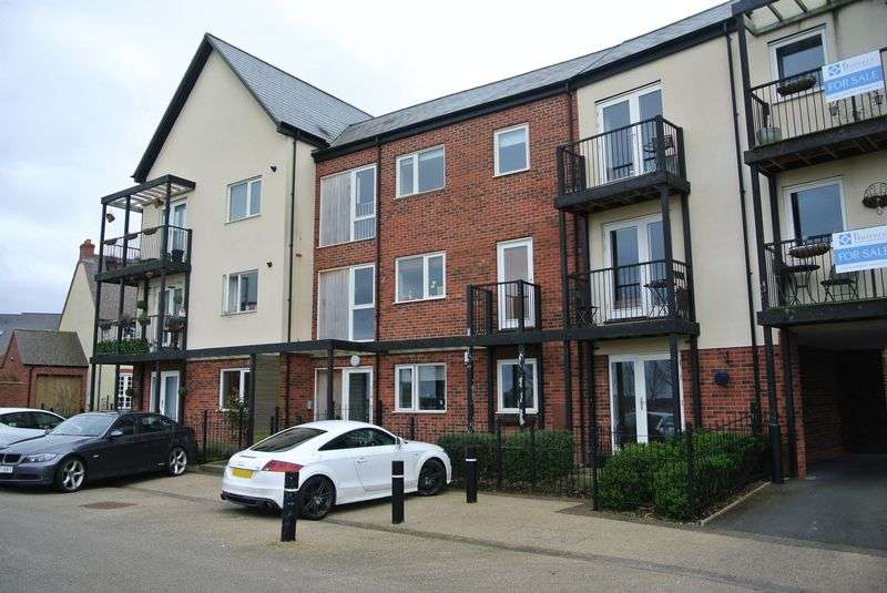 2 Bedrooms Flat for sale in Smallhill Road, Lawley, Telford, Shropshire.