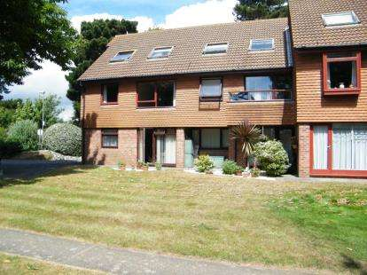 1 Bedroom Flat for sale in Christchurch, Dorset