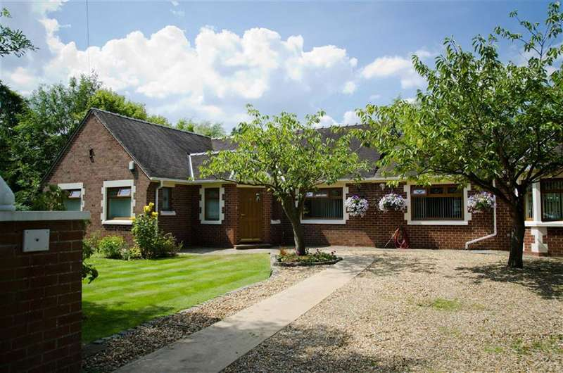 5 Bedrooms Detached Bungalow for sale in Lodge Lane, Lytham