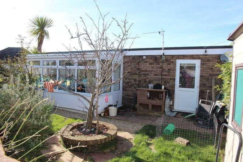1 Bedroom Semi Detached Bungalow for sale in Trencreek, Newquay