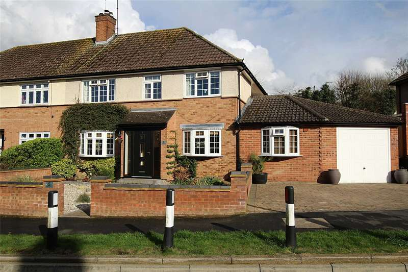 4 Bedrooms Semi Detached House for sale in Reynards Way, Bricket Wood, St. Albans, Hertfordshire, AL2