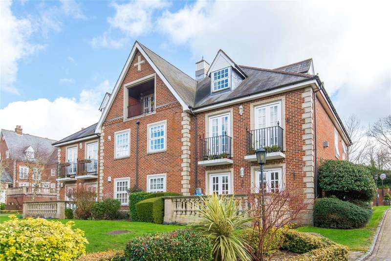 2 Bedrooms Flat for sale in Lancaster House, Park Lane, Stanmore, HA7