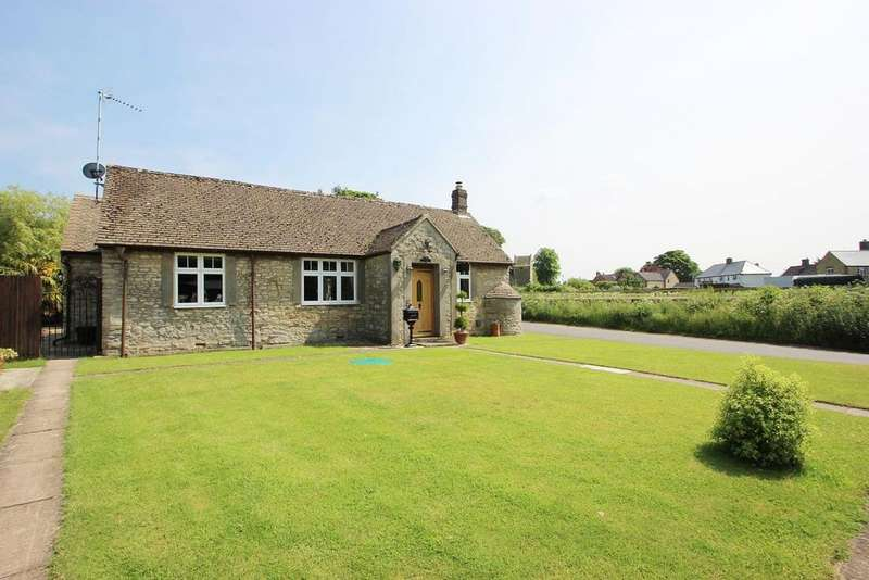 3 Bedrooms Bungalow for sale in Somerton Road, Ardley OX27