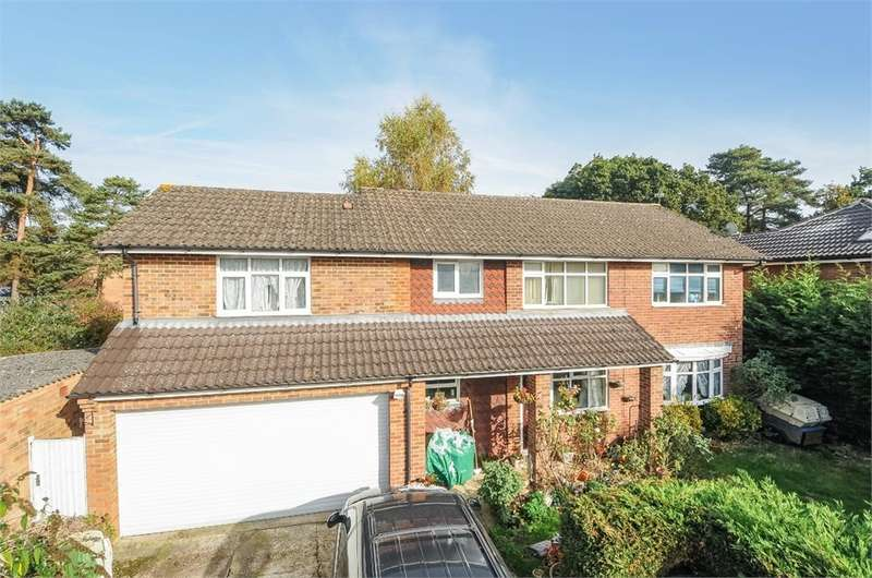 5 Bedrooms Detached House for sale in Heathland, Baughurst, Tadley, RG26