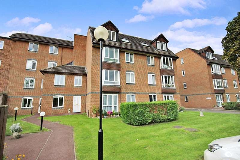 1 Bedroom Retirement Property for sale in Kingston Lodge, New Malden, KT3 3PN