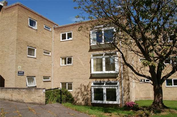 2 Bedrooms Flat for sale in Mount Avenue, Bebington, Merseyside