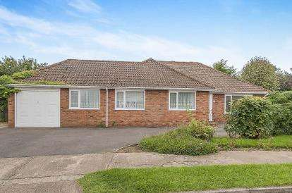3 Bedrooms Bungalow for sale in Tollfield Road, Boston, Lincolnshire