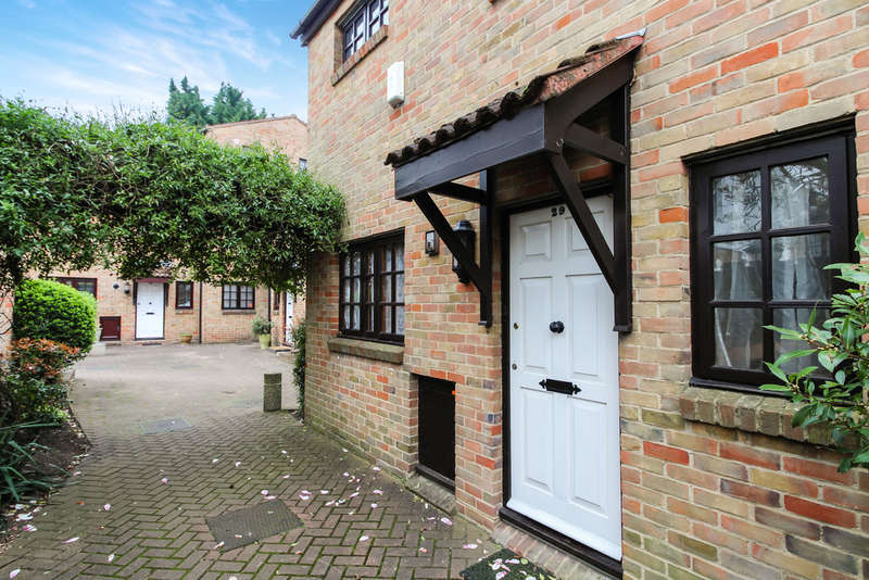 3 Bedrooms Mews House for sale in The Farthings, Kingston Upon Thames