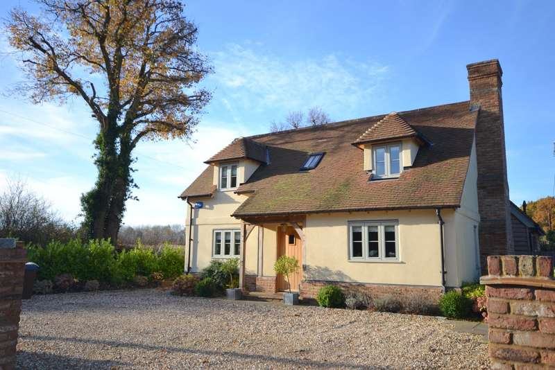 4 Bedrooms Detached House for sale in Ash Green