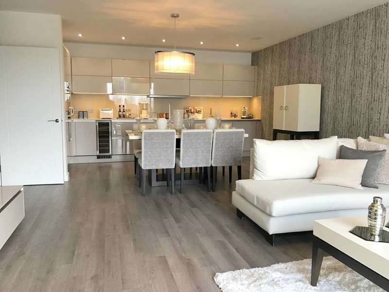 3 Bedrooms Flat for sale in Park View Mansions, Olympic Park Avenue, Stratford, E20