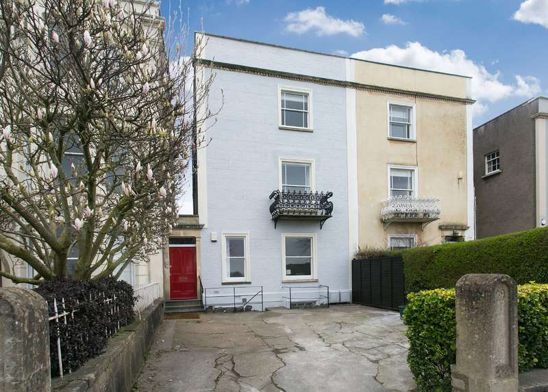 5 Bedrooms Terraced House for rent in Upper Belgrave Road, Clifton