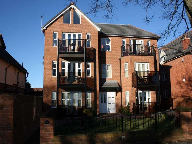 2 Bedrooms Flat for rent in Links Gate, St. Annes, Lancashire
