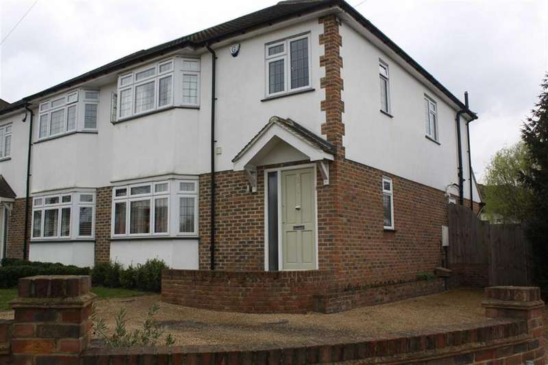 3 Bedrooms Semi Detached House for sale in Oxhawth Crescent, Bromley