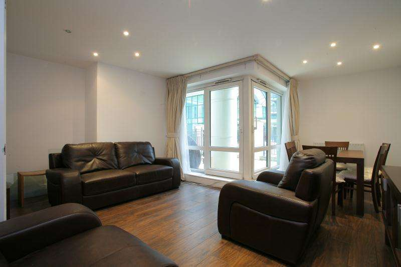 3 Bedrooms Ground Flat for sale in WARREN HOUSE - Kensington - W8