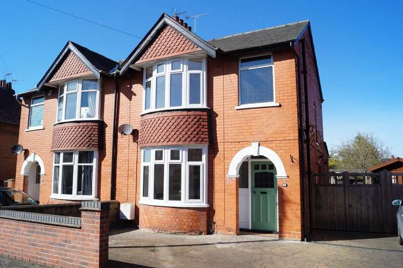 3 Bedrooms Semi Detached House for sale in Mount Street, Lincoln