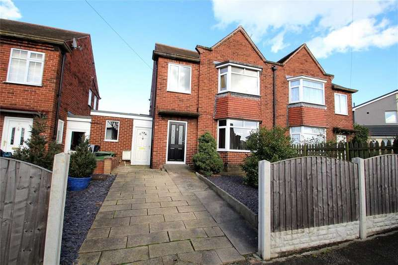 4 Bedrooms Semi Detached House for sale in Chequerfield Mount, Pontefract, WF8