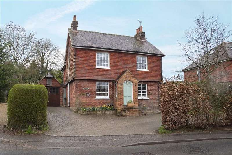 4 Bedrooms Detached House for sale in High Street, Loxwood, Billingshurst, West Sussex, RH14