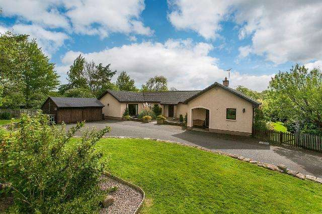 4 Bedrooms Bungalow for sale in Teviot Bank, Roxburgh, Kelso, Scottish Borders, TD5