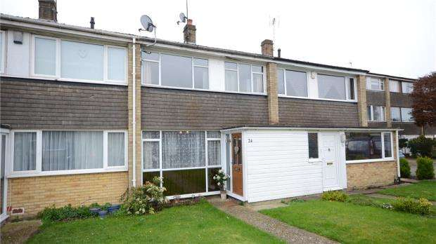 2 Bedrooms Terraced House for sale in Combe Road, Tilehurst, Reading