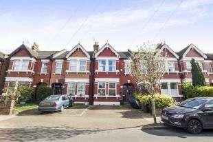 2 Bedrooms Maisonette Flat for sale in Birkbeck Road, Beckenham, Kent, Uk
