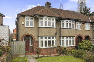 3 Bedrooms End Of Terrace House for sale in Ravensbourne Park, Catford, London, United Kingdom