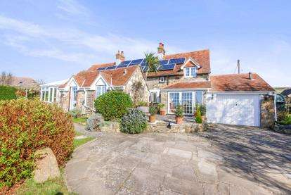 3 Bedrooms Detached House for sale in Brighstone, Newport, Isle Of Wight