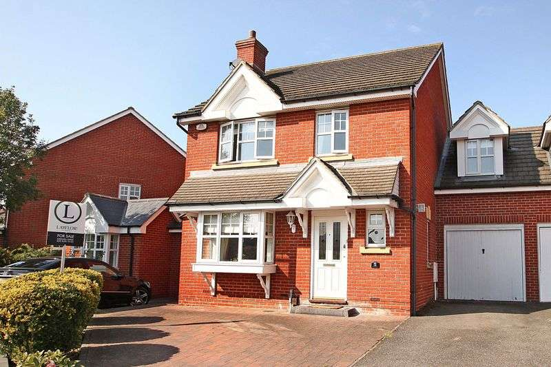 4 Bedrooms Semi Detached House for sale in Stalham Way, Oakwood Gate