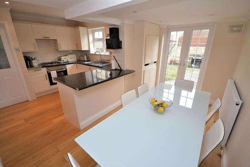 3 Bedrooms Detached House for sale in King Street, Leighton Buzzard