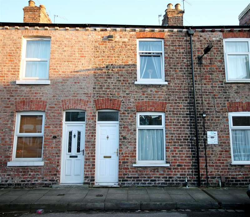 2 Bedrooms Terraced House for sale in Nelson Street, York, YO31 8NJ