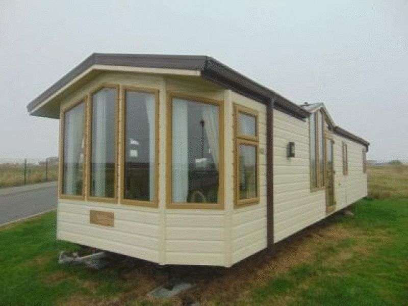 2 Bedrooms Property for sale in Golden Sands Holiday Park, Foryd Road, Rhyl, North Wales, LL18 5NA
