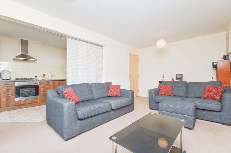 1 Bedroom Flat for sale in Flat 6, 177 Greendykes Road, Craigmillar, Edinburgh, EH16 4GW
